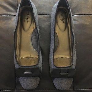 Gray bow block heels